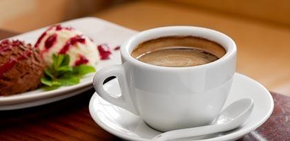 Kaffee und Eis